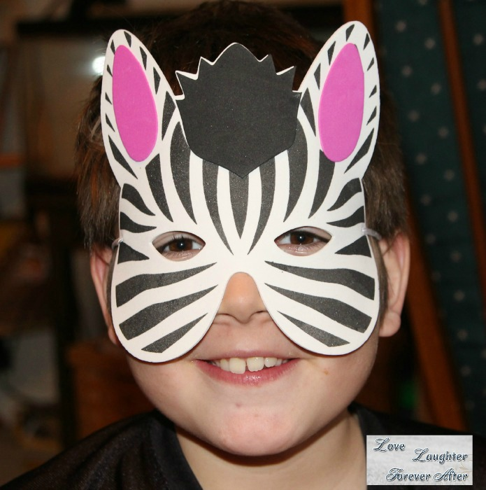 Animal Trackers Zebra mask