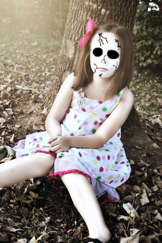 creepy broken doll make up