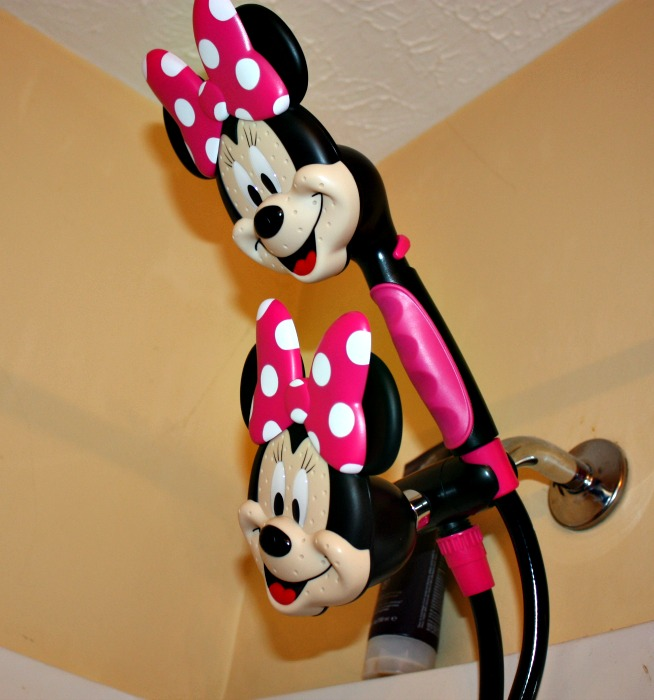 minnie mouse shower head review